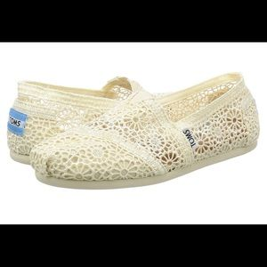 TOMS Crochet Alpargata Slip On